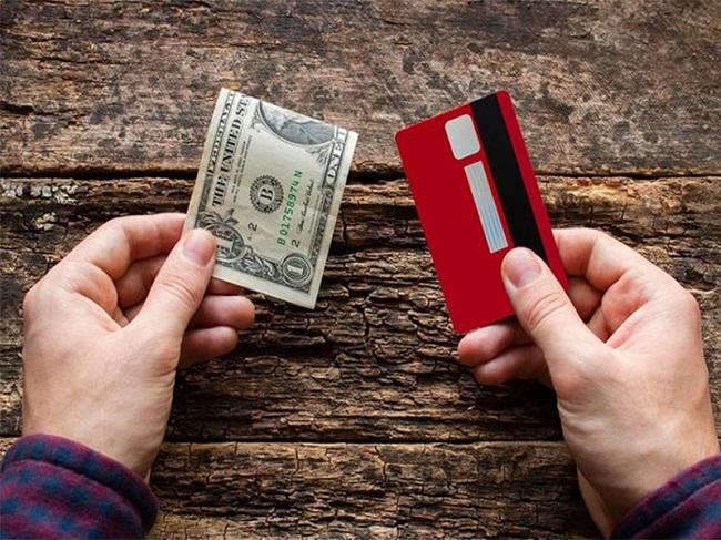 Mở thẻ tín dụng để thanh toán các loại hóa đơn mua sắm, vui chơi, giải trí,…